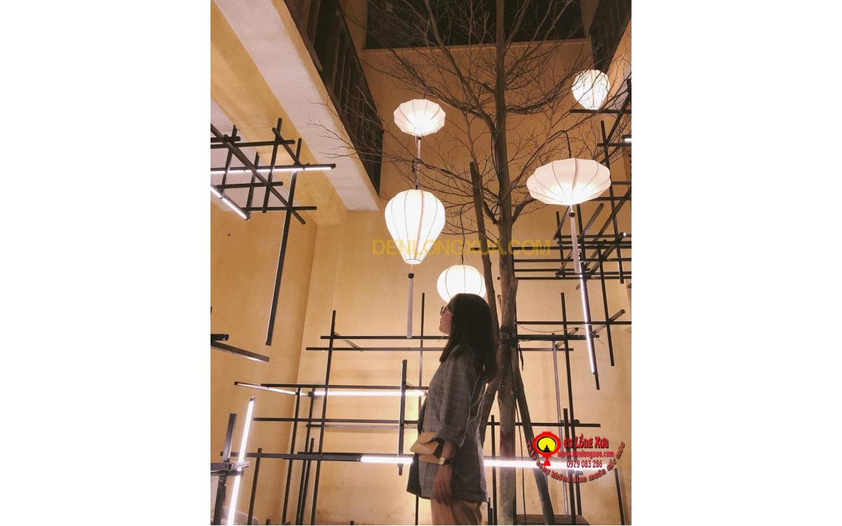 Tạo cây đèn lồng trang trí cho trung tâm thương mại