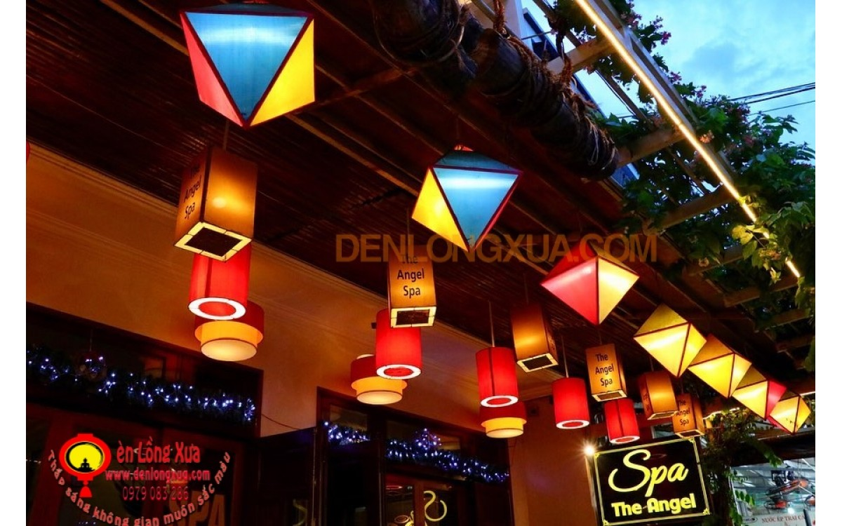 Đèn lồng đẹp cho trang trí mái hiên tiệm spa