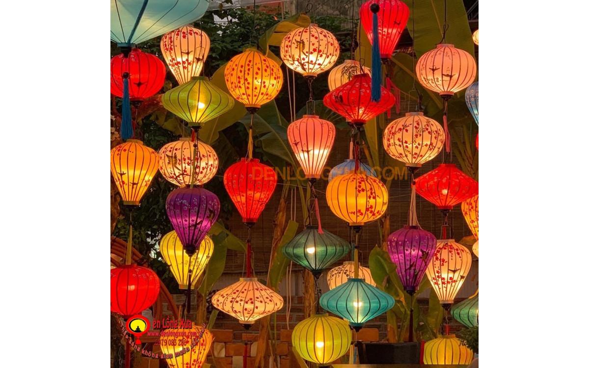 Đèn lồng vẽ hoa Hội An tạo mành trang trí