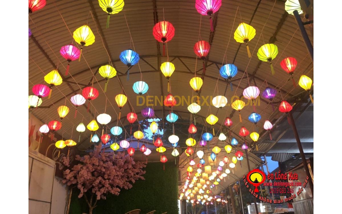 Trang trí đèn lồng để thu hút khách cho nhà hàng