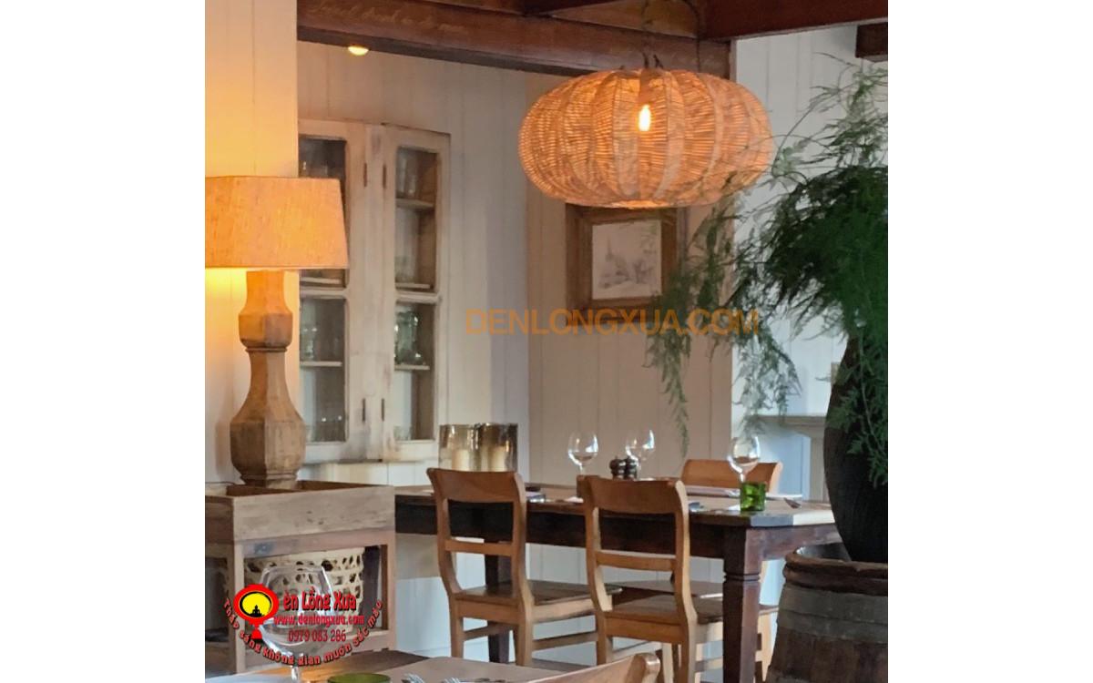 Đèn mây trái khế trong trang trí nhà hàng
