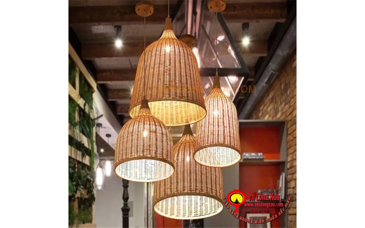 Chùm đèn lồng chuông mây trang trí nhà hàng