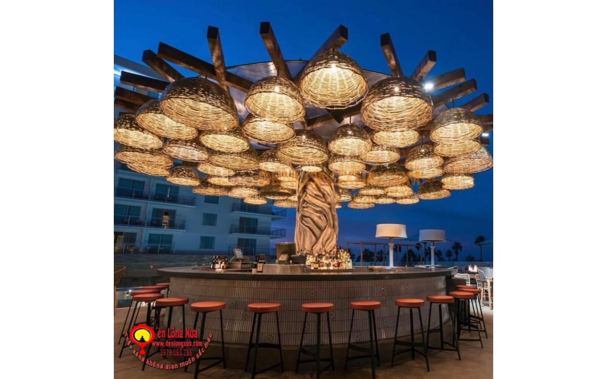 Cây đèn mây tre trang trí cho quán bar trà sữa hiện đại
