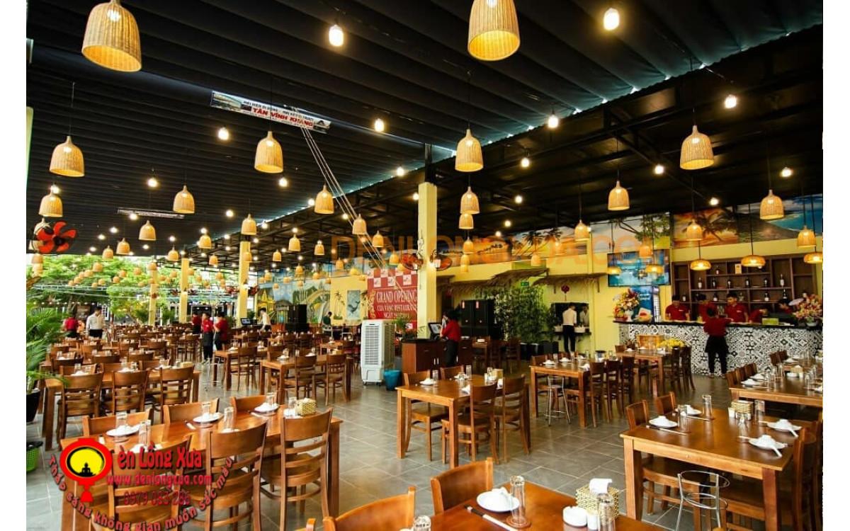 Đèn chuông mây trang trí nhà hàng có mặt bằng lớn